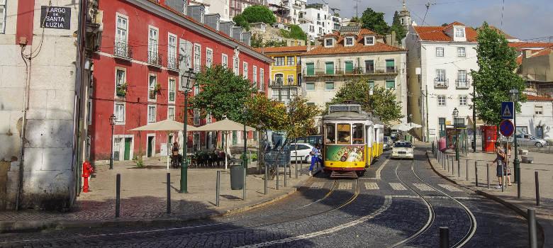 Alfama Lisbon (5)